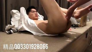 超帅眼镜小哥哥被屮精品qq942778006