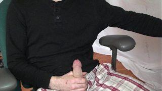 Morning big cock masturbation session – Solo male